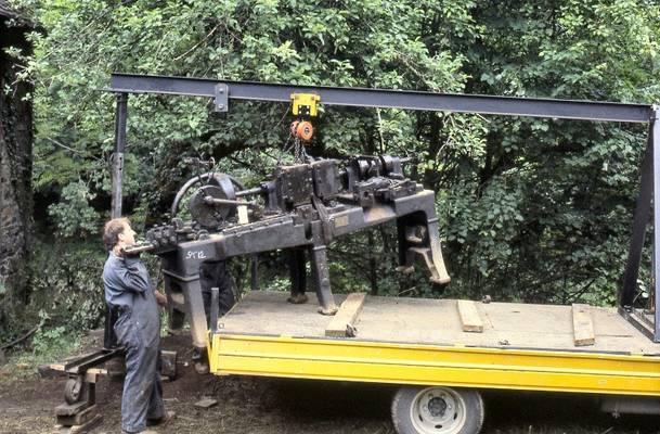 Cliquer pour agrandir : Dépose avec remise en état des machine-outils de la tréfilerie ; 1993 (c) CD24