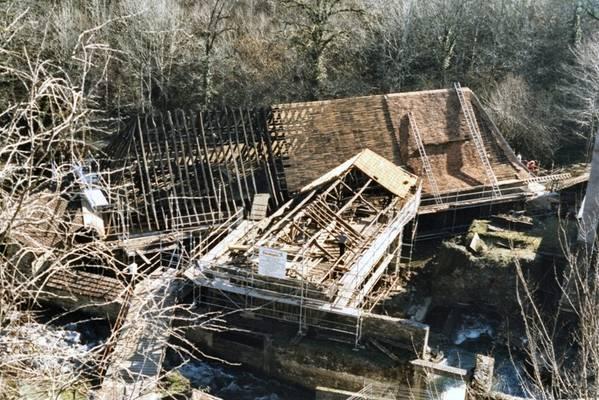 Cliquer pour agrandir : Restauration de la couverture de la tréfilerie ; 1998 (c) CD24